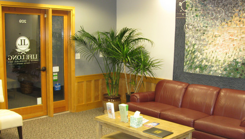 The Life Long Dental waiting room in Silverdale.